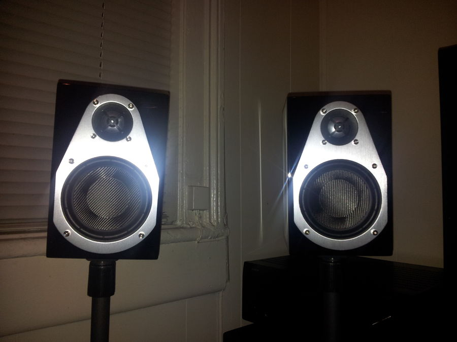 Small (very Small) Surround Speaker But Still Good Sound