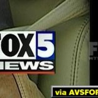 This is an old bug which used to be on Fox5 full time.  Now I only see it momentarily when they return from a commerical break in Prime time.