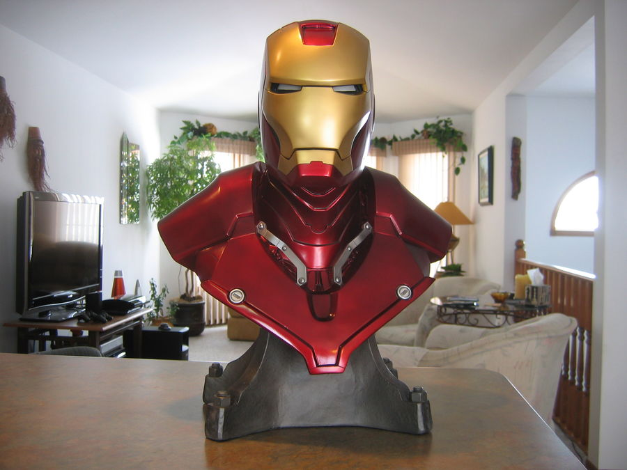 Sideshow Collectibles 1:1 scale Iron Man bust