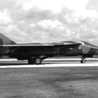 800px-27th_Tactical_Fighter_Wing_-_General_Dynamics_F-111D_-_68-093.jpg