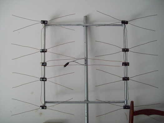 How to build a uhf antenna page 128 avs forum for Fabriquer une antenne tv interieur