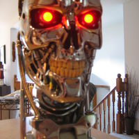 Lifesize bust of T2 endoskeleton.