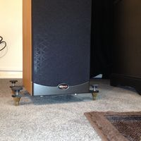 Klipsch Reference RF-35 outfitted with Sound-O-City Outriggers.