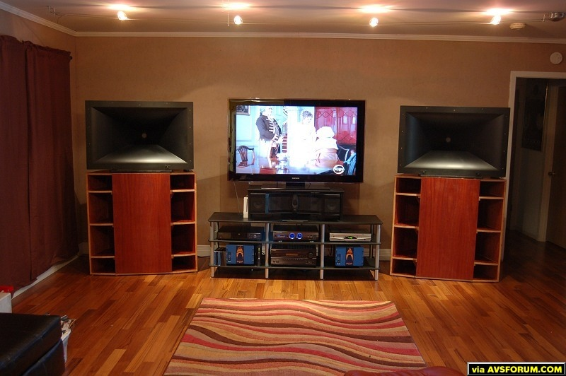 These are custom mahogany Klipsch Jubilee speakers built at the Klipsch factory in Hope AK.