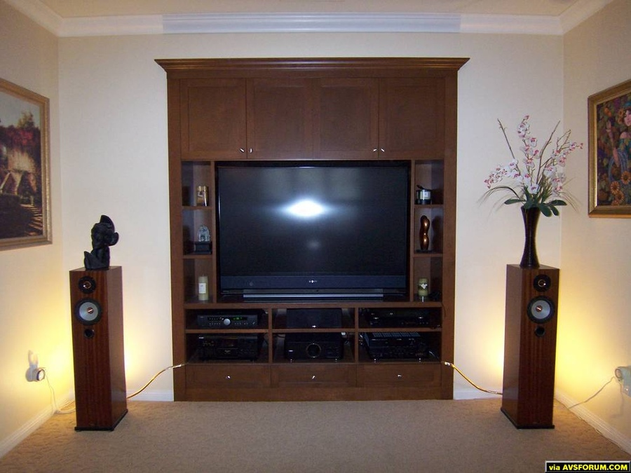 HT: Sony SXRD KDS60A3000, LG BD390 blu ray, Oppo 983 DVD, Yamaha AVR, Jamo center, Yamaha subwoofer.  2 Channel:  Arcam A90 integrated amp with AVR feed, Sony ES CD changer with Channel Island DAC, Tyler Acoustic Linbrook floorstanding monitors,...